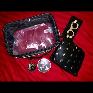 Warner Bros. Bags - NWT 3 Piece Harry Potter Toiletry Bag Set